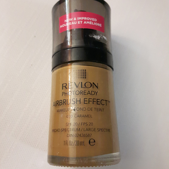 Revlon Other - Revlon Photoready Airbrush Effect 010 Caramel